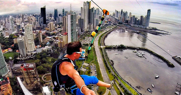 These People Jump From An 800 Foot Building, Then Unclip Themselves For A Jaw-Dropping Experience